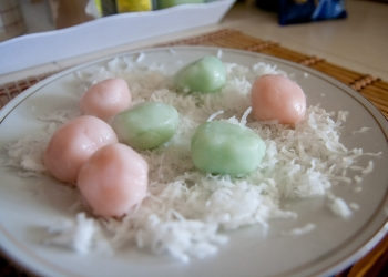 glutinous-coconut-ball-kanom