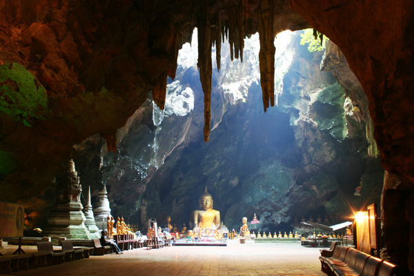 Khao Luang Cave-Phetchaburi